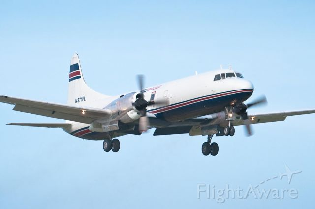 CONVAIR CV-580 (N371FL) - Arriving on Hky 24 - 18.Mar.10