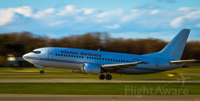 BOEING 737-300 (N732VA) - Vision Air Charter LAN - GPT
