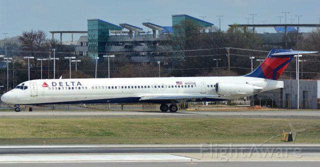 McDonnell Douglas MD-88 (N907DE) - 3/13/16