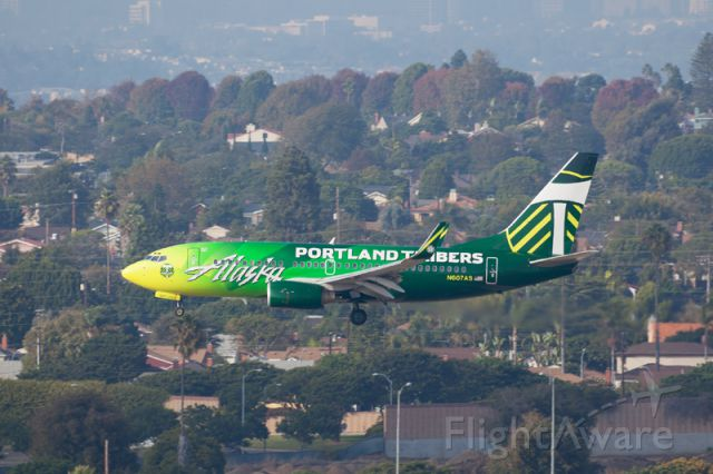 Boeing 737-700 (N607AS) - Photo taken by Jorge Chavez