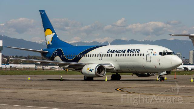 BOEING 737-300 (C-GCNK)