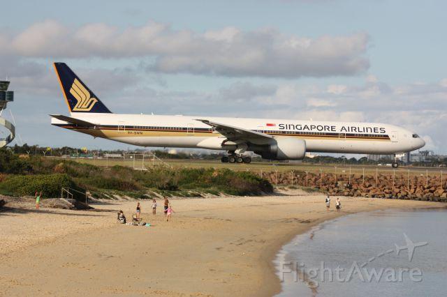 BOEING 777-300 (9V-SWM)