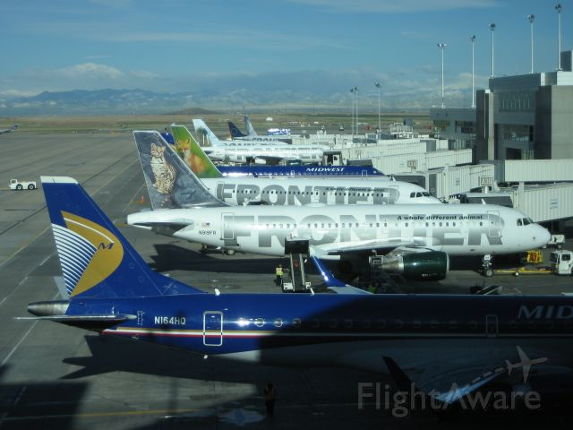 Airbus A319 (N919FR) - A nice line up of Frontier