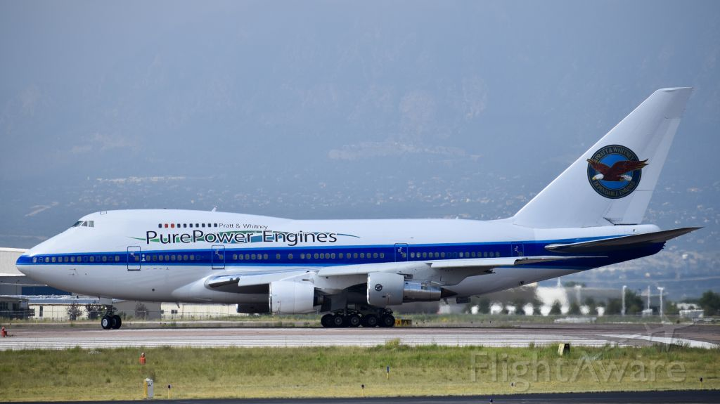 BOEING 747SP (C-FPAW) - Boeing 747SP-J6 performing aircraft engine testing at Colorado Springs