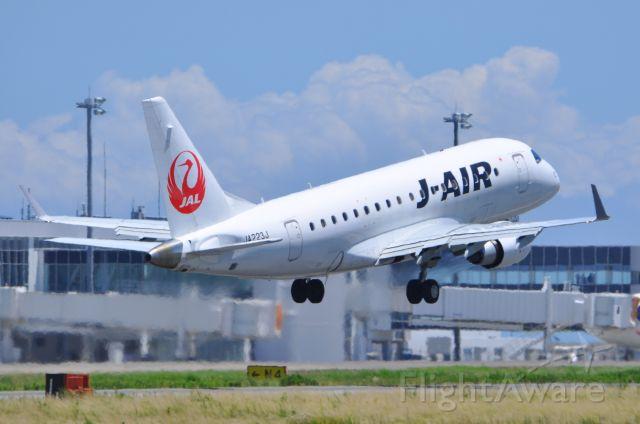Embraer 170/175 (JA223J)