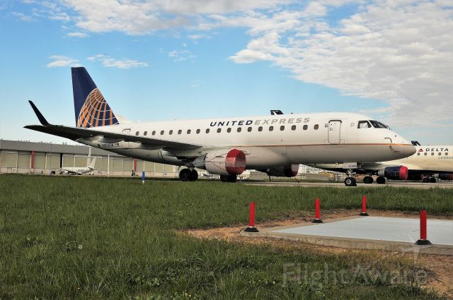 Embraer 170/175 (N858RW) - COVID PARKED FLEET ON POSTAL RAMP