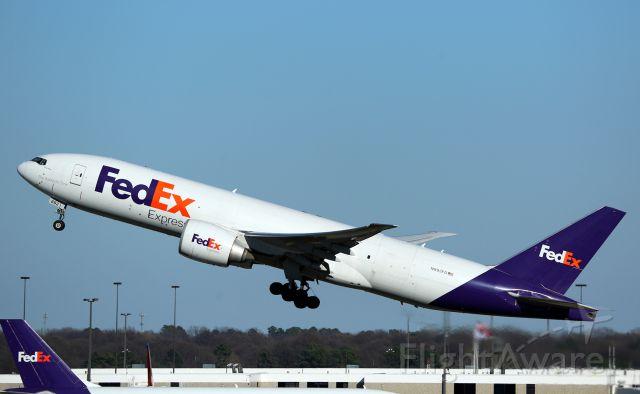 Boeing 777-200 (N892FD)
