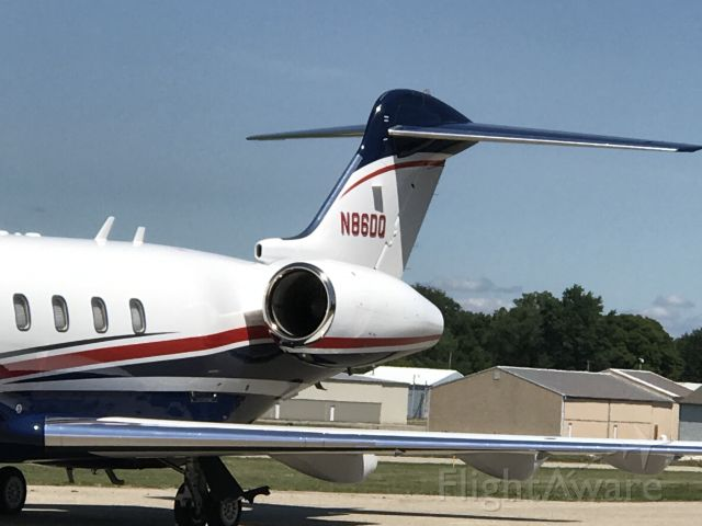 Bombardier Challenger 300 (N86DQ) - Canadair Challenger 300 at JXN