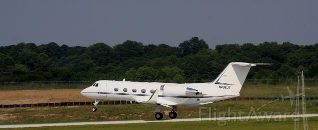 Gulfstream American Gulfstream 2 (N492JT) - Takeoff on the right runway