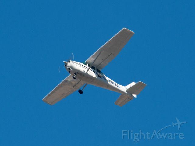 Cessna Skyhawk (N10446) - Right base for 09 at Carson City