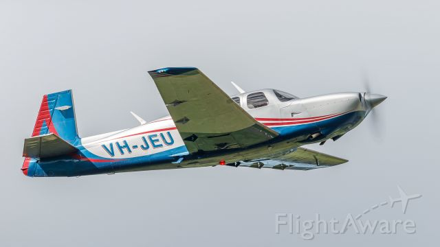 Mooney M-20 Turbo (VH-JEU)