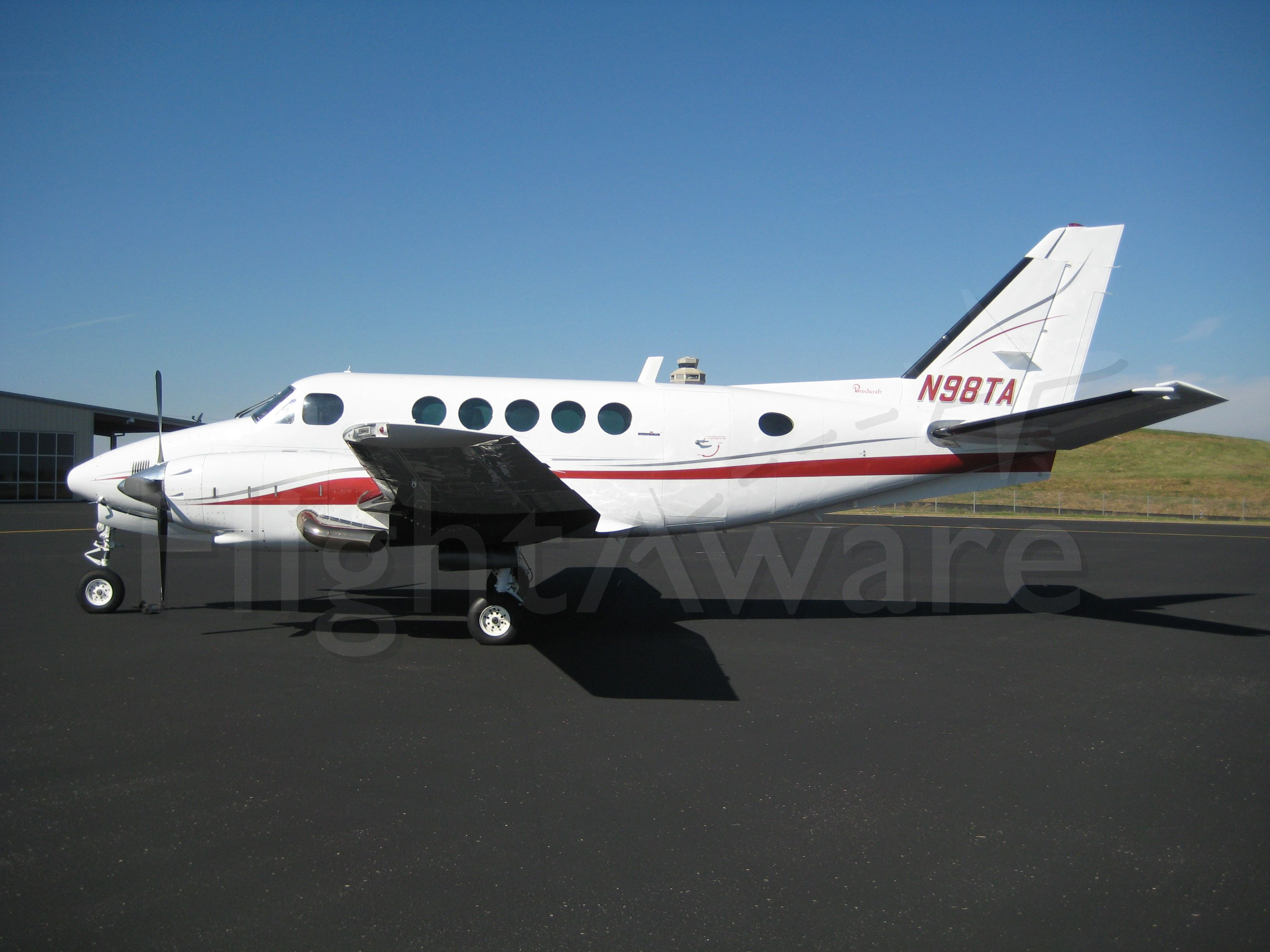Beechcraft King Air 100 (N98TA)