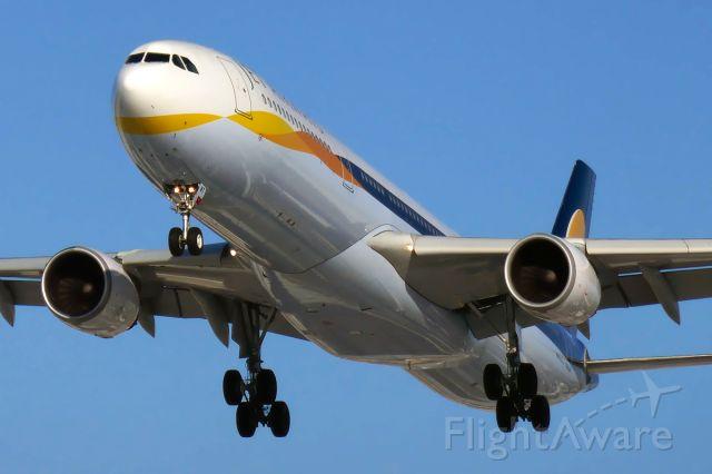 Airbus A330-300 (VT-JWT)
