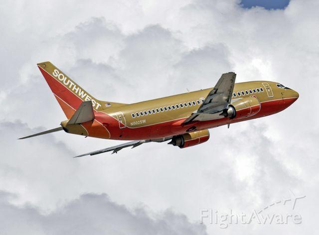 Boeing 737-500 (N502SW) - 9/10/2005