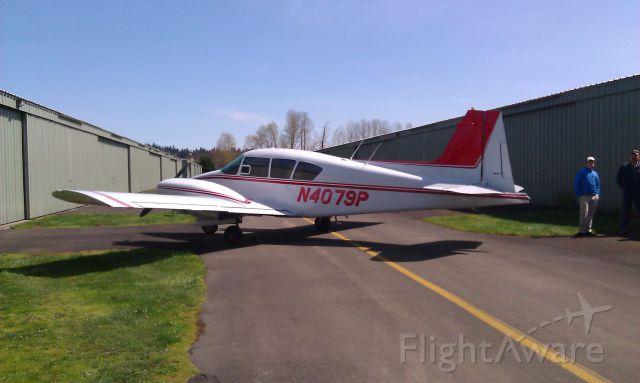 Piper Apache (N4079P)