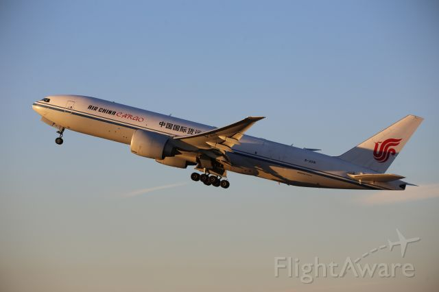 BOEING 777-200LR (B-2091)