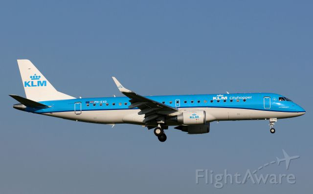 Embraer 170/175 (PH-EXD)