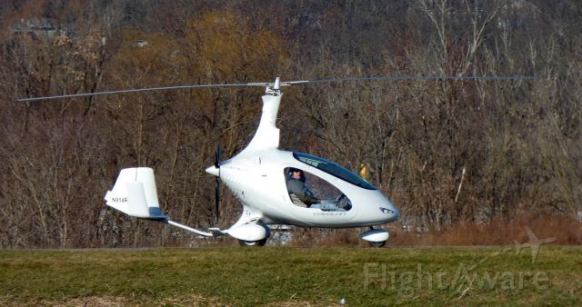 Experimental  (N914RB) - A Starboard side view of this 2016 two seater Cavalon Rotorcraft taxiing in the Winter of 2016. Comes as a Kit, instruction Included.