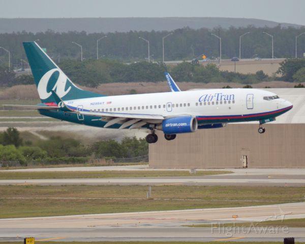Boeing 737-700 (N299AT)