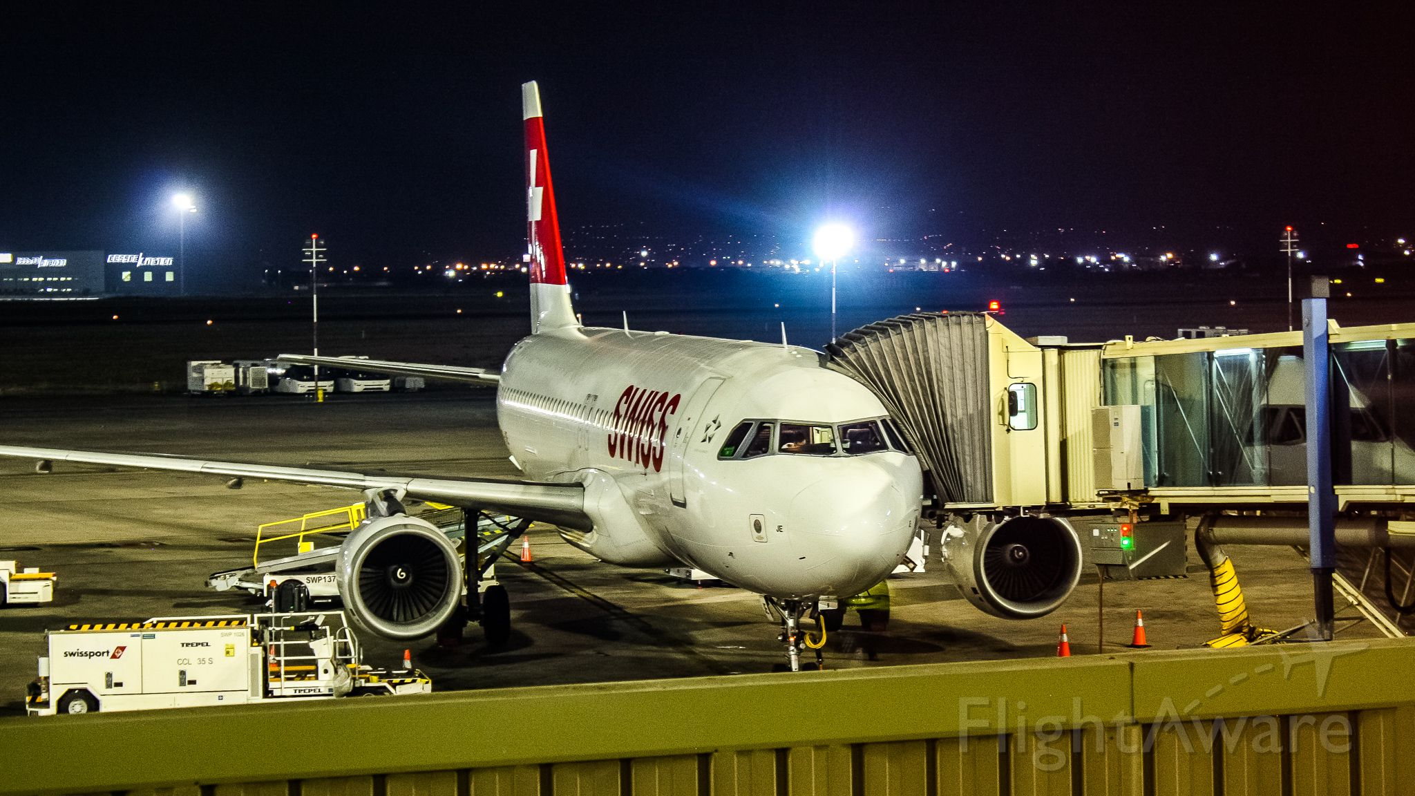 Airbus A320 (HB-IJE)