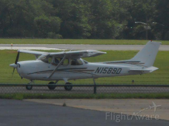Cessna Skyhawk (N1589D)
