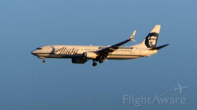 Boeing 737-900 (N453AS)