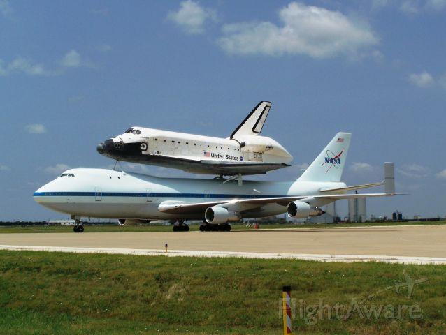 N911NA — - Fuel stop in Amarillo Texas (Shuttle Atlantis)