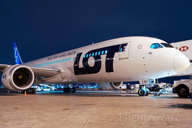 Boeing 787-8 (SP-LRC)