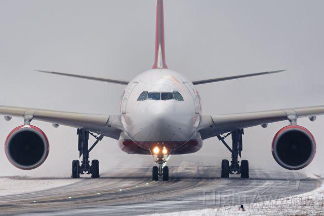 Airbus A330-300 (D-ALPE)