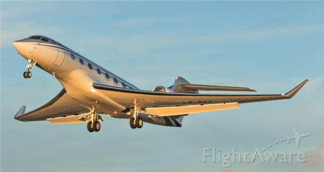 Gulfstream Aerospace Gulfstream G650 (LX-RAY) - LX-RAY departing St Maarten at Sunset