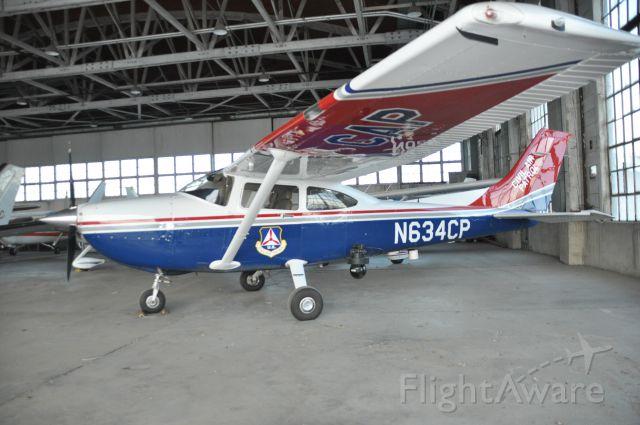 Cessna Skylane (N634CP) - FLIR U8500W installed.