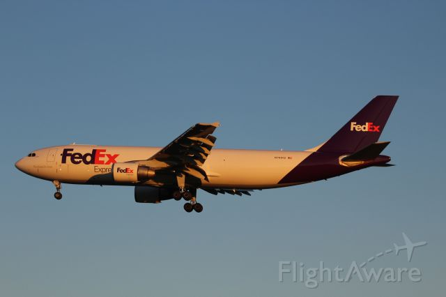 Airbus A300F4-600 (N741FD) - Sunset Landing Runway 3 Appleton International 9-29-16.