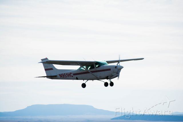 Cessna Cutlass RG (N951HC) - Watching on as the first group of students from Hesston College go up for a mountain flying experience.