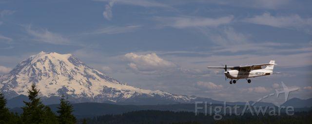 Cessna Skyhawk (N53372)