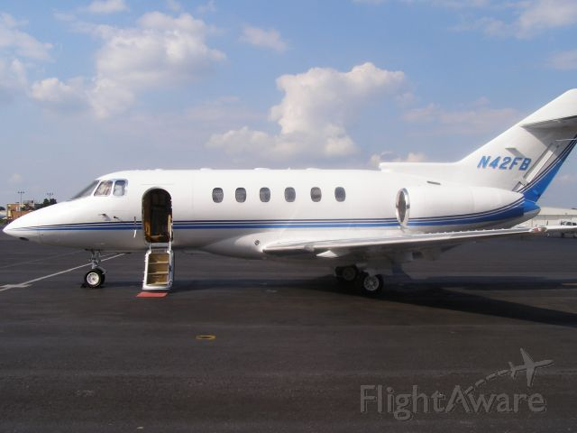 Raytheon Hawker 800 (N42FB)