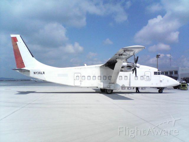 Short SD3-60 (N136LR) - Taken in 2006 at MMQT.