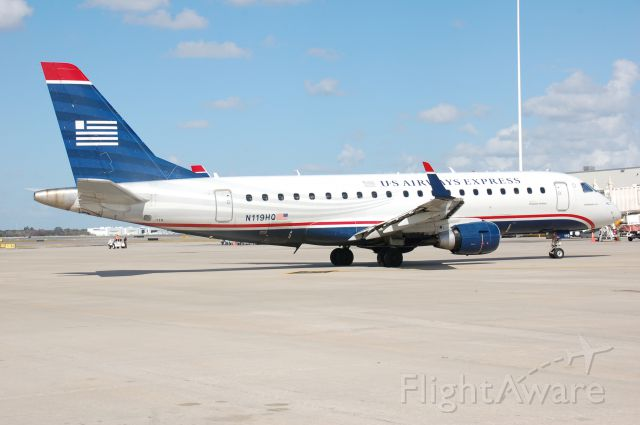 Embraer 170/175 (N119HQ)