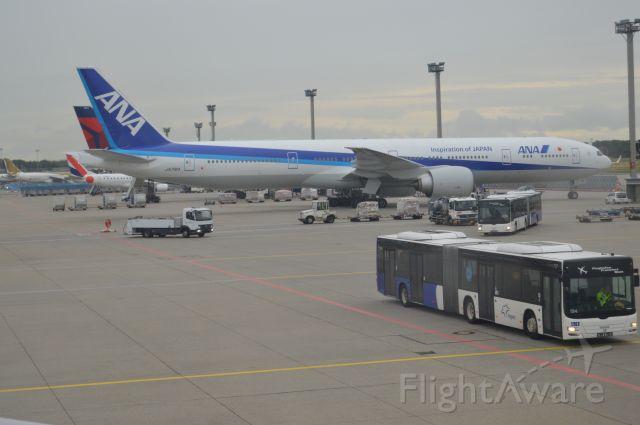 BOEING 777-300ER (JA791A)