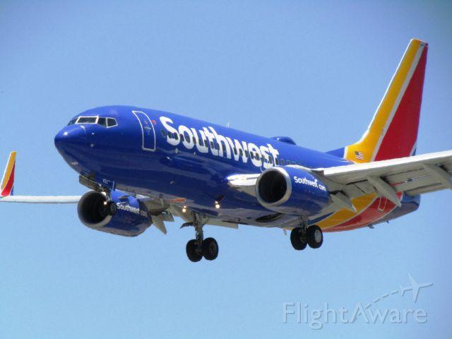Boeing 737-700 (N933WN) - Landing RWY 30