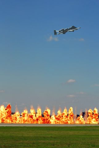 Fairchild-Republic Thunderbolt 2 (78-0279) - A-10 West Coast Demo and the Wall of Fire at the 2011 Kansas City Air Show.