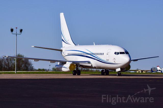 Boeing 737-700 (N912NB)