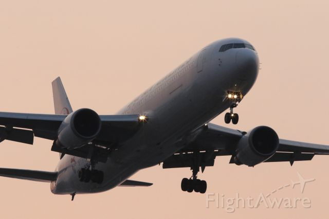 BOEING 767-300 (JA659J) - 24 May 2015:HND-HKD.