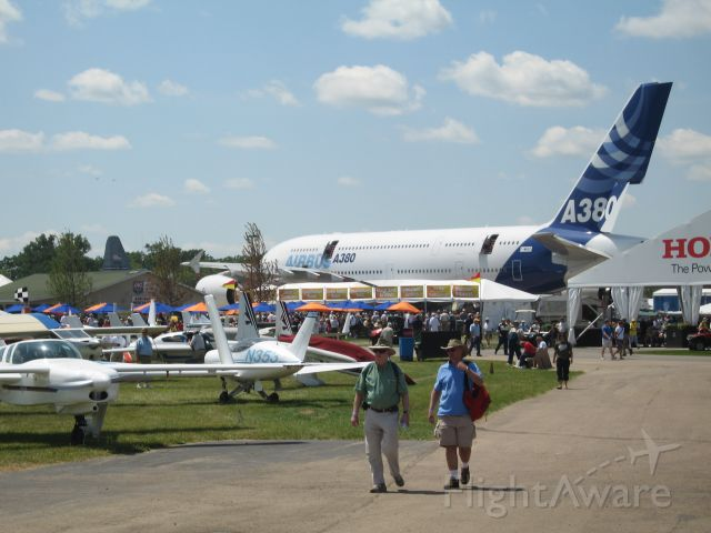 Airbus A380-800 (F-WWDD) - A380 at Oshkosh 2009