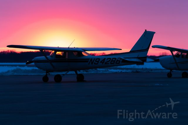 Cessna 152 (N94286) - Hardly edited this. After a gloomy day, the sun peaked out right before it dipped below the horizon.