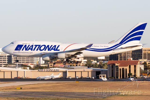 Boeing 747-400 (N702CA) - National's second aircraft in the more simplistic white scheme on final for 04 in San Antonio.