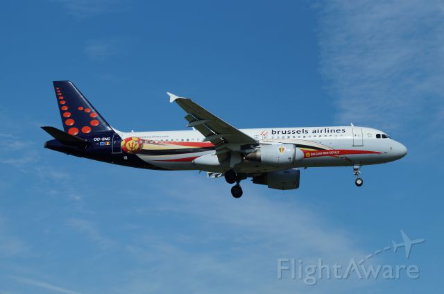 Airbus A320 (OO-SNC)