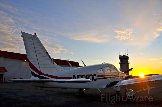 Piper Cherokee (N808DC)