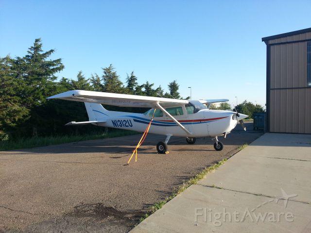 Cessna Skyhawk (N1312U)