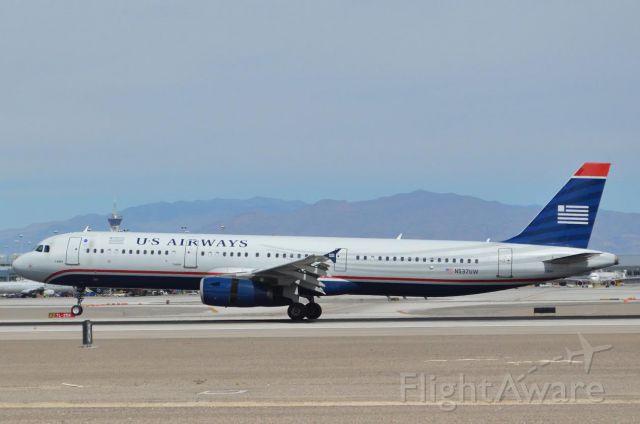 Airbus A321 (N537UW)