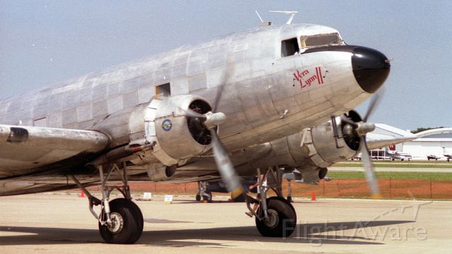 Douglas DC-3 (N941AT) - Dallas Love Field in 1994.
